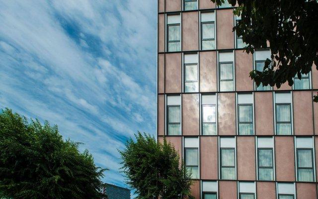 Отель Ona Living Barcelona Испания, Оспиталет-де-Льобрегат - 1 отзыв об отеле, цены и фото номеров - забронировать отель Ona Living Barcelona онлайн вид на фасад