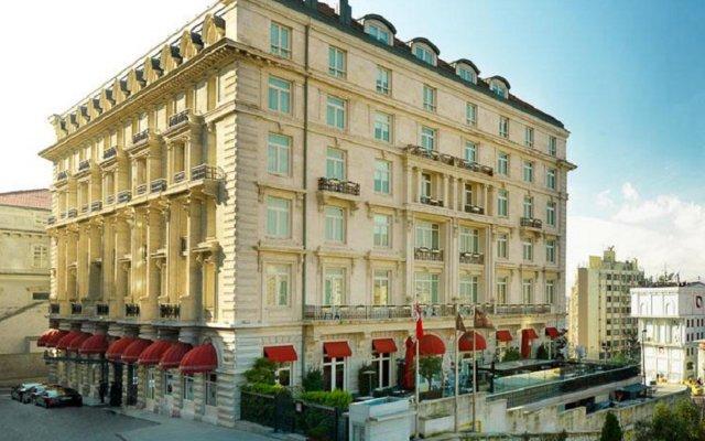 Pera Palace Hotel вид на фасад