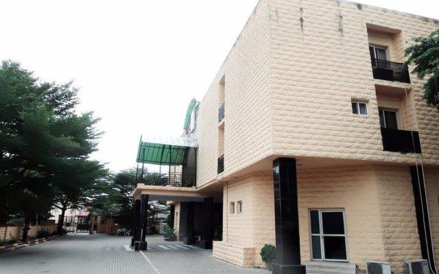 Pelican Hotel Lekki вид на фасад