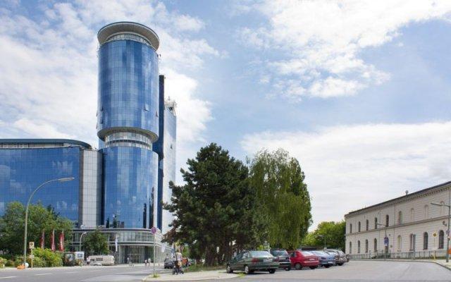 Select Hotel Spiegelturm Berlin парковка
