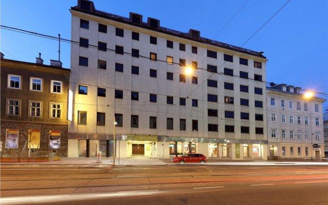 Отель Exe Vienna Вена вид на фасад