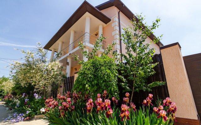 Гостиница Beautiful House Hotel в Краснодаре отзывы, цены и фото номеров - забронировать гостиницу Beautiful House Hotel онлайн Краснодар вид на фасад