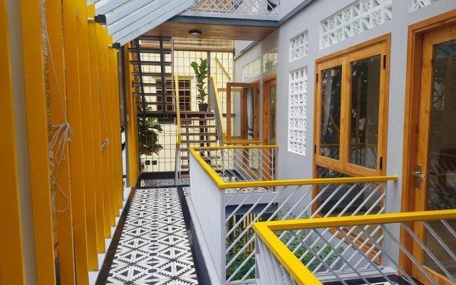 Отель Yellow House Boutique вид на фасад