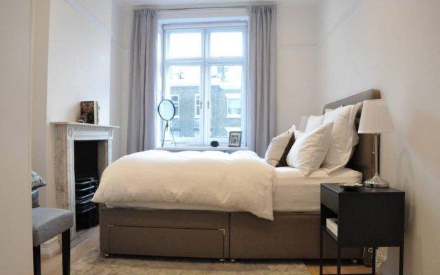 Отель 2 Bedroom 2 Storey Flat in Perfect Location Великобритания, Лондон - отзывы, цены и фото номеров - забронировать отель 2 Bedroom 2 Storey Flat in Perfect Location онлайн комната для гостей