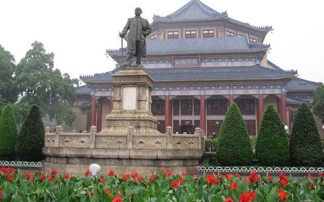 Guangdong Hotel вид на фасад