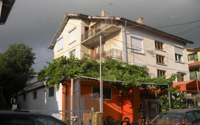 Отель Guest House Happiness Болгария, Кранево - отзывы, цены и фото номеров - забронировать отель Guest House Happiness онлайн вид на фасад