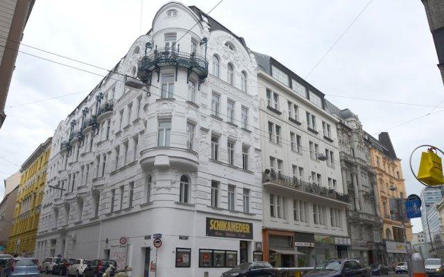 Апартаменты Soho Apartments - Grand Soho вид на фасад