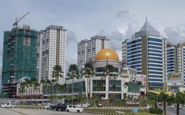 Отель 1 Borneo Tower B Service Condominiums вид на фасад