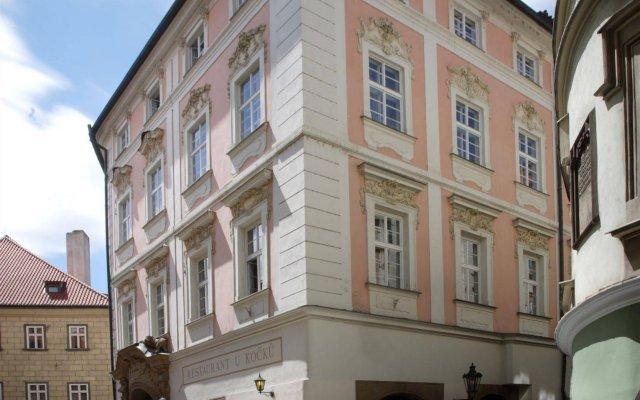 Отель Palác U Kočků Чехия, Прага - 5 отзывов об отеле, цены и фото номеров - забронировать отель Palác U Kočků онлайн вид на фасад