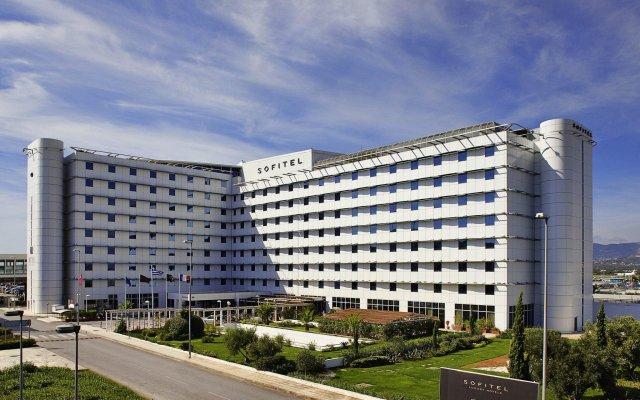 Отель Sofitel Athens Airport Греция, Спата - 3 отзыва об отеле, цены и фото номеров - забронировать отель Sofitel Athens Airport онлайн вид на фасад