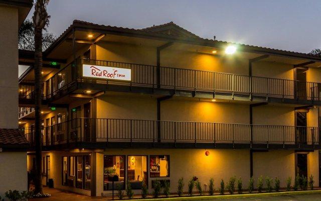 Отель Red Roof Inn Tulare - Downtown/Fairgrounds вид на фасад