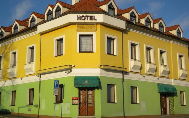 Hotel Brilliant вид на фасад