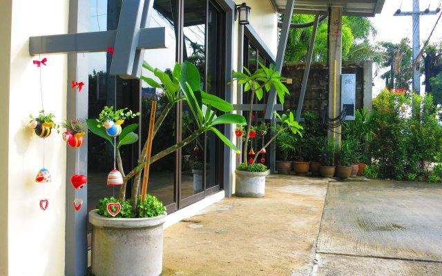 Отель Wongmuang Place вид на фасад
