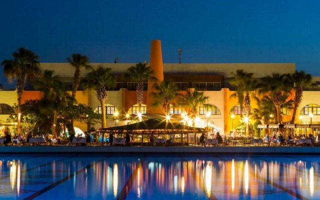 Отель Arabia Azur Resort вид на фасад