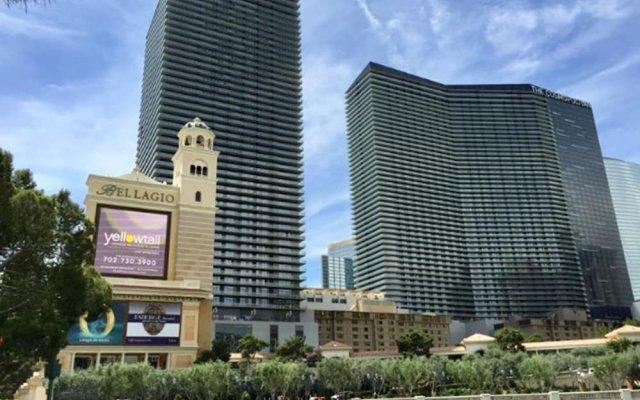 Отель GetAways at Jockey Club США, Лас-Вегас - отзывы, цены и фото номеров - забронировать отель GetAways at Jockey Club онлайн вид на фасад