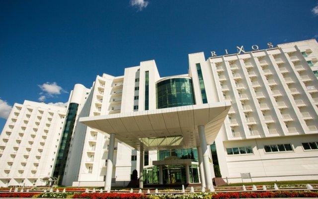 Гостиница Rixos-Prykarpattya Resort Украина, Трускавец - 1 отзыв об отеле, цены и фото номеров - забронировать гостиницу Rixos-Prykarpattya Resort онлайн вид на фасад