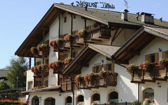 Alpine Touring Hotel Долина Валь-ди-Фасса вид на фасад