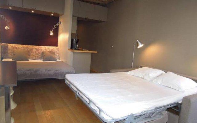 Апартаменты Saint Denis Apartment Париж комната для гостей