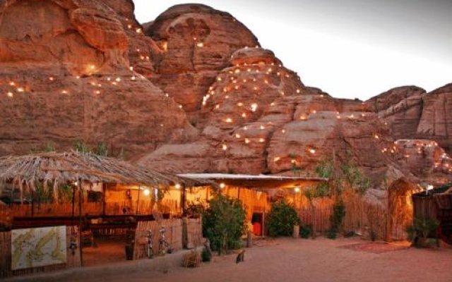 Отель Seven Wonders Bedouin Camp Иордания, Вади-Муса - отзывы, цены и фото номеров - забронировать отель Seven Wonders Bedouin Camp онлайн вид на фасад