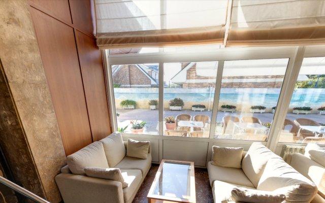 Отель Cosmopol Испания, Ларедо - отзывы, цены и фото номеров - забронировать отель Cosmopol онлайн комната для гостей