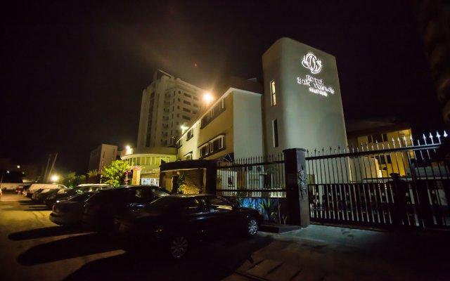 Отель Bon Voyage Нигерия, Лагос - отзывы, цены и фото номеров - забронировать отель Bon Voyage онлайн вид на фасад