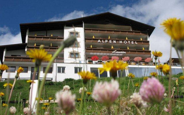 Отель Alpenhotel Laurin Австрия, Хохгургль - отзывы, цены и фото номеров - забронировать отель Alpenhotel Laurin онлайн вид на фасад