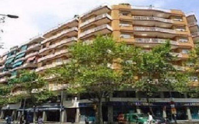 Апартаменты Apartments Europa Барселона вид на фасад