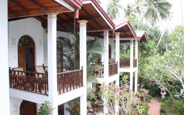 Hotel Bentota Village вид на фасад