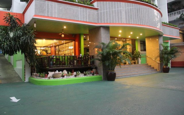 Отель Yellow Ribbon Hills, Boutique Suites вид на фасад