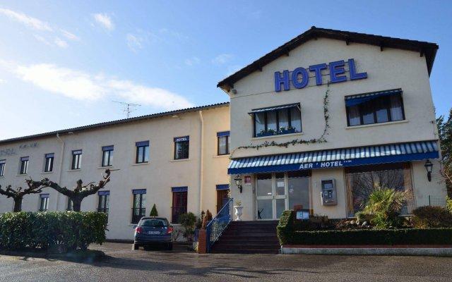 Отель Aer Франция, Озвиль-Толозан - отзывы, цены и фото номеров - забронировать отель Aer онлайн вид на фасад