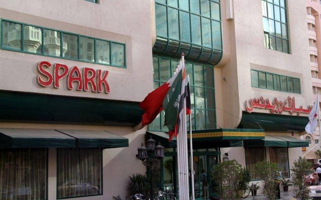 Отель Spark Residence Deluxe Hotel Apartments ОАЭ, Шарджа - отзывы, цены и фото номеров - забронировать отель Spark Residence Deluxe Hotel Apartments онлайн вид на фасад