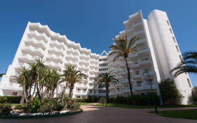 Отель Eix Lagotel вид на фасад