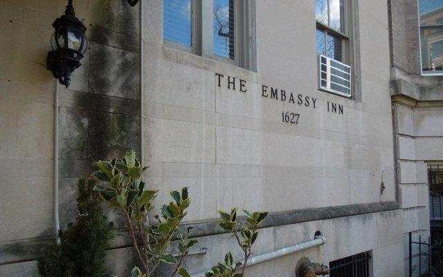 Отель Embassy Inn вид на фасад