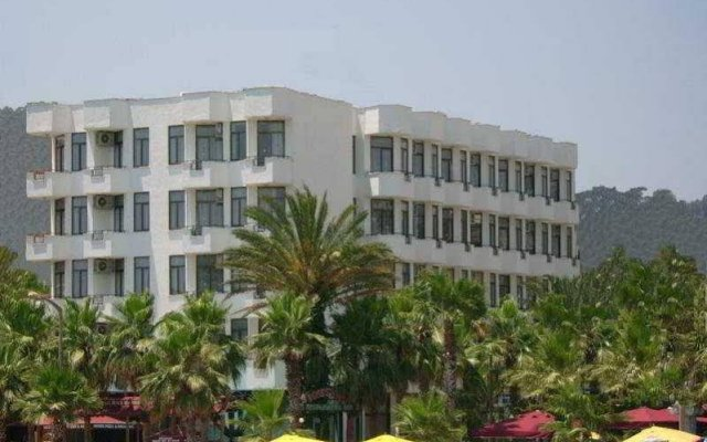 Отель Palm Beach вид на фасад