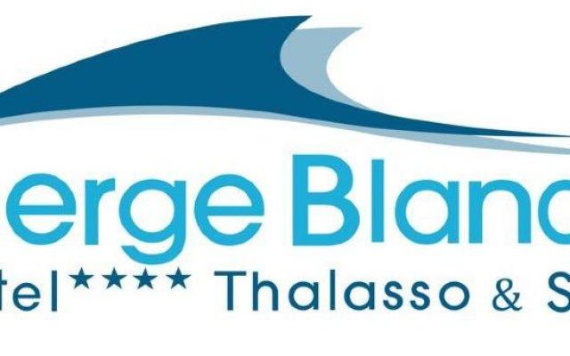 Отель Serge Blanco Thalasso & Spa Франция, Хендее - отзывы, цены и фото номеров - забронировать отель Serge Blanco Thalasso & Spa онлайн вид на фасад
