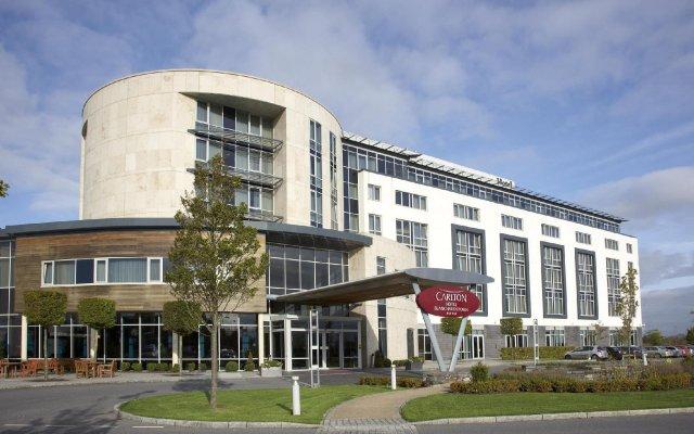 Отель Carlton Hotel Blanchardstown Ирландия, Дублин - отзывы, цены и фото номеров - забронировать отель Carlton Hotel Blanchardstown онлайн вид на фасад