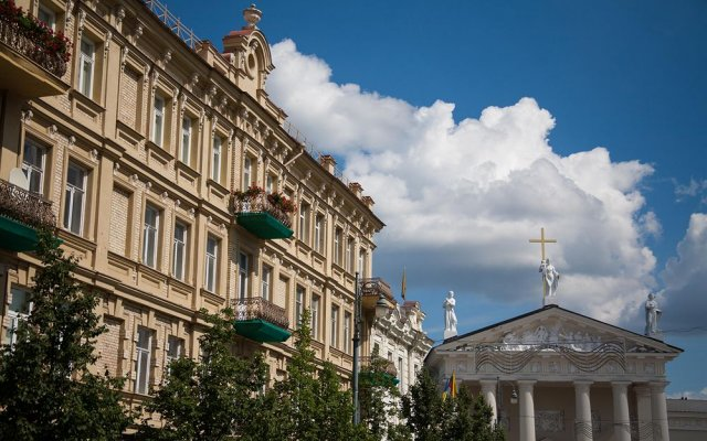 Отель Vilnius Grand Resort Литва, Вильнюс - 10 отзывов об отеле, цены и фото номеров - забронировать отель Vilnius Grand Resort онлайн вид на фасад