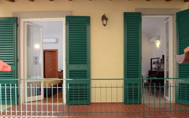 Отель La Terrazza Foscolo - con Parcheggio Флоренция вид на фасад