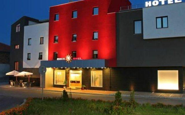 Отель Finix Болгария, Сандански - отзывы, цены и фото номеров - забронировать отель Finix онлайн вид на фасад