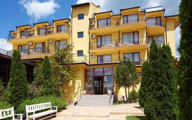Hotel Yalta Свети Влас вид на фасад