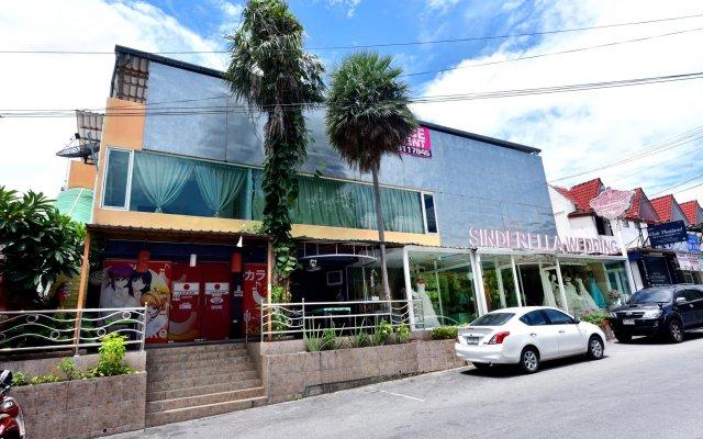 Отель Sindy's Place вид на фасад