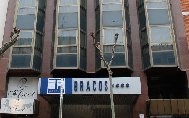 Отель AA Los Bracos by Silken Испания, Логроньо - 2 отзыва об отеле, цены и фото номеров - забронировать отель AA Los Bracos by Silken онлайн вид на фасад
