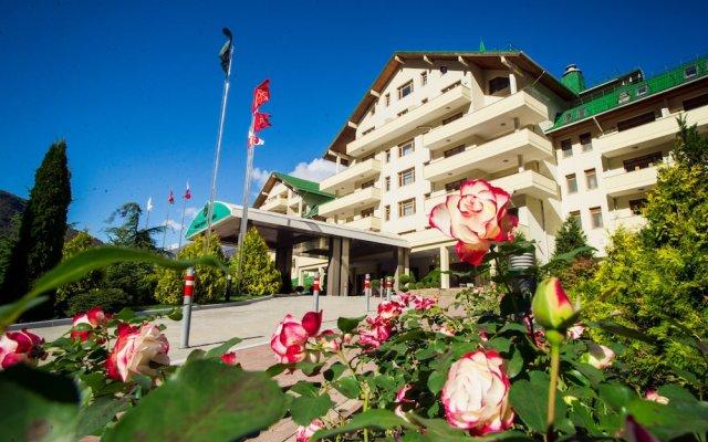Гранд Отель Поляна Красная Поляна вид на фасад