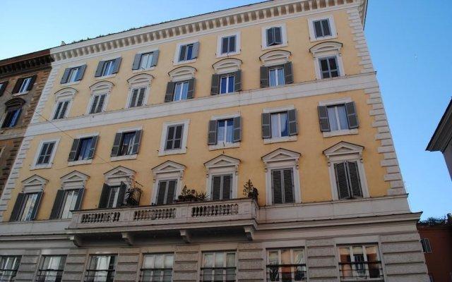 Отель Chroma Italy Chroma Apt Colosseo вид на фасад