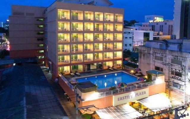 Eastiny Plaza Hotel вид на фасад