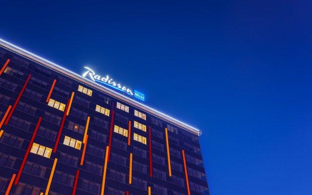 Гостиница Radisson Blu Челябинск вид на фасад
