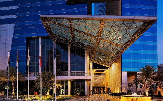 The H Hotel, Dubai вид на фасад