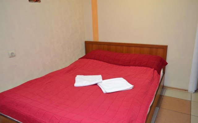 Гостиница Mini Hotel Ponayekhali в Ярославле 6 отзывов об отеле, цены и фото номеров - забронировать гостиницу Mini Hotel Ponayekhali онлайн Ярославль комната для гостей