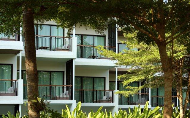 Отель Holiday Inn Resort Phuket Mai Khao Beach пляж Май Кхао вид на фасад