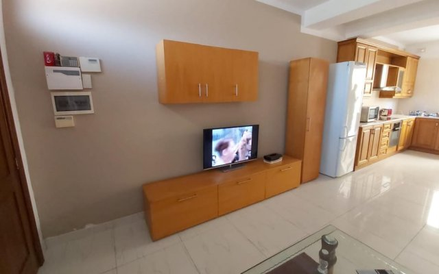 Apartment With 2 Bedrooms in Is-swieqi, With Wonderful Mountain View, Terrace and Wifi